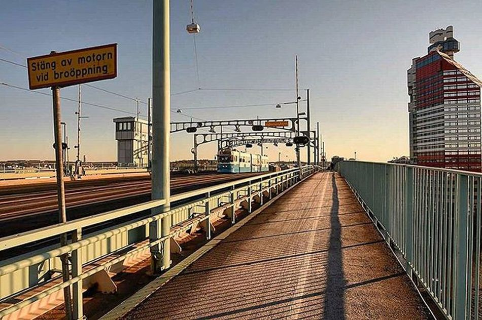 📷 🚋 🚦Turn the engine off At the bridge opening🚥 Frihamnen Goteborg Bridge Tramcar Turnoffengine Tagsforlikes Bridgeopening Bulding Läppstift Beautifulday Likes Followme City Gothenburg Picture @exaperture @awesome_pixels