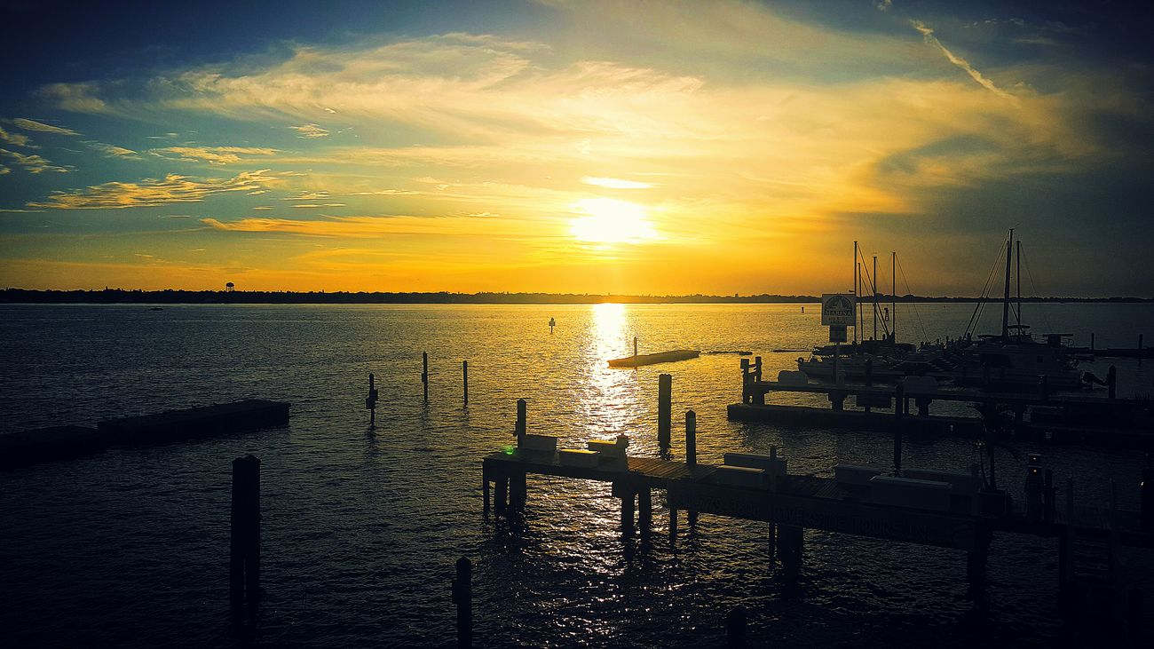 Waterfront Sunset EyeEmBestPics Eye4photography  Taking Photos EyeEm Best Shots EyeEm Best Edits EyeEm Best Shots - Sunsets + Sunrise