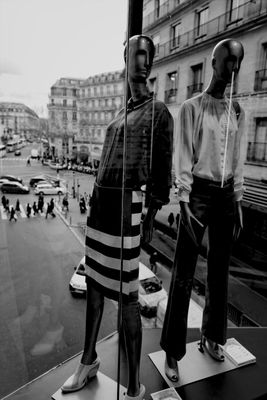 Mannequin at Galeries Lafayette by metadio