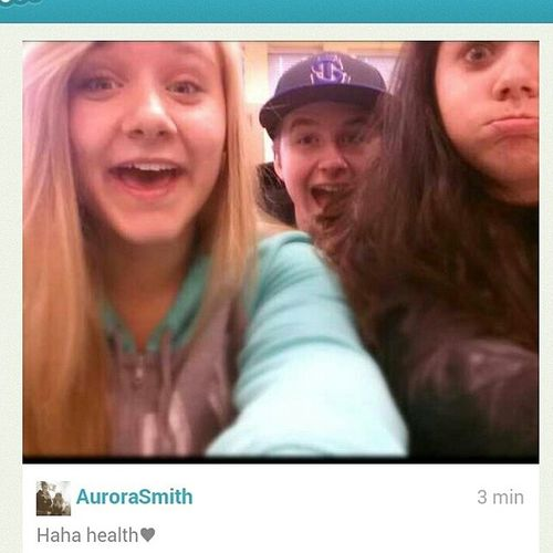 Haha Chloe, Jordan, & I in health class taken selfys! Selfys HealthClass Fun Laughing Friends