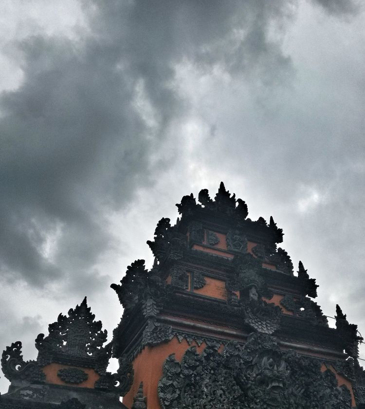 Travel Destinations Architecture Low Angle View Building Exterior No People Statue Outdoors Sky Shore Bali Pacific Islands Vacations Religious Architecture Temple Architecture Temple EyeEm Selects Tanah Lot Scenics Cloud - Sky Religion Leisure Activity Tropical Climate Lifestyles Tranquility Tranquil Scene