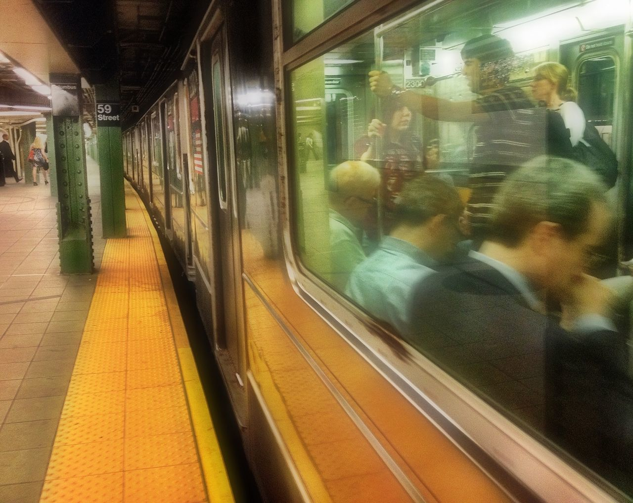 My Daily Commute Discover Your City The Best Of New York Streetphotography New York On The Move EyeEm Team