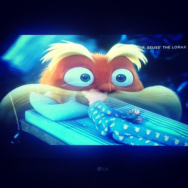 Transition!!! I'm lovin this movie. Thelorax on HBOasia and HBOHD . Soooo Cute