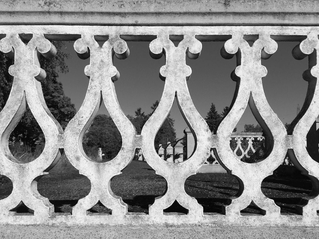 Architecture Window Minimalism_bw EyeEm Team Streetphoto_bw EyeEm Bnw Bw_collection Minimalist Minimalism EyeEm Best Shots Shadows EyeEm EyeEm Black&white! Built Structure Architectural Feature