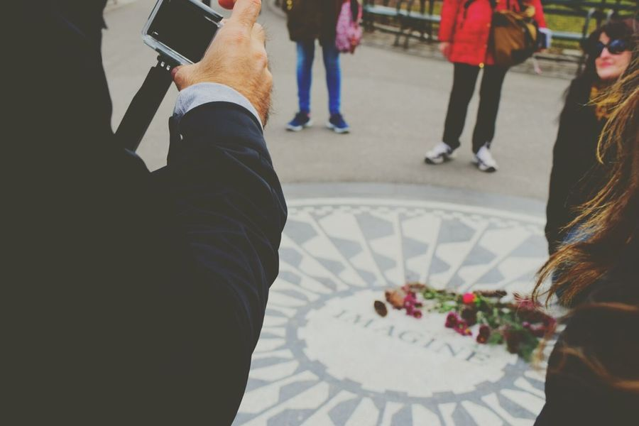 """Imagine all the people living life in Peace. By John Lennon I think the verbe """"imagine"""" is the most important thing to do for someone else. Strawberryfields Central Park I Heart New York"""