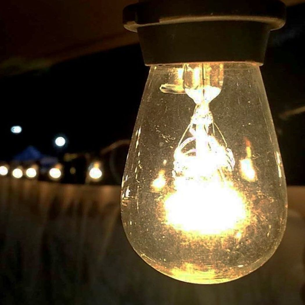 Old school Incandescent Lights need some of these for my patio. Love the Warm Light look 1picaday