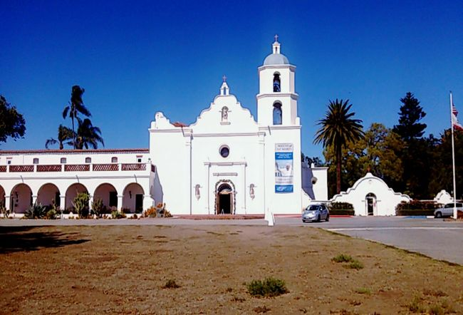 10/16 Architecture Travel Destinations Building Exterior Place Of Worship Mission San Luis Rey De Francia San Luis Rey Mission Day Scenics Enjoying Life Capture The Moment Nature Beauty In Nature Beautiful EyeEm Best Shots Eye4photography  The Week Of Eyeem Popular Travel Check This Out Oceanside California Scenery Growth Outdoors Backgrounds