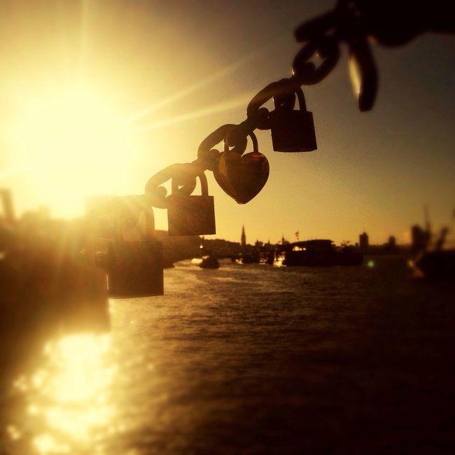 First sunday. Battle Of The Cities Hamburg Fischmarkt Storiestotell Remember MemyselfandI Shimmerandshine Sittingwaitingwishing Ifihadaboat Overnight Success