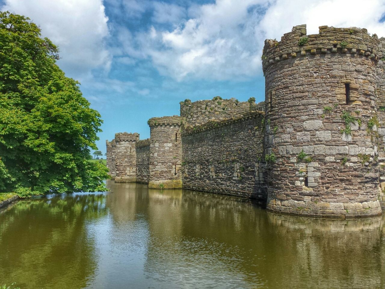 beaumaris castle, unfinished ...edward the first... Landscape_Collection EyeEm Best Shots Hdr_Collection Streamzoofamily No People Architecture Ancient Civilization Built Structure Travel Destinations Cloud - Sky