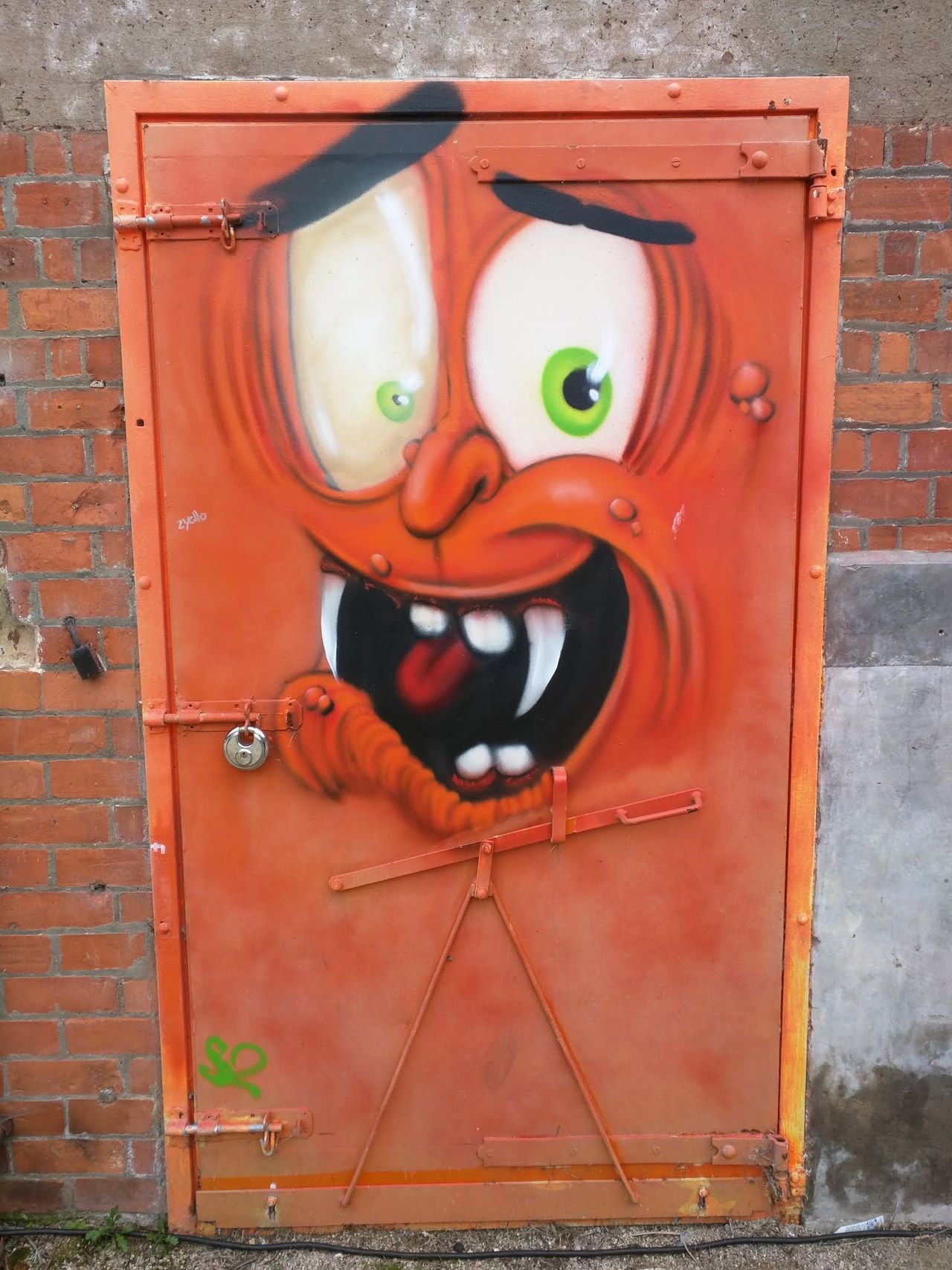 Creativity Art Human Representation Close-up Art And Craft Anthropomorphic Face Multi Colored Outdoors Day Full Frame Red Symbol Vibrant Color Representation Graffiti Weathered Door City Of Culture 2017 Hull Hull 2017 Hull City Of Culture 2017 No People Creativity Orange Red