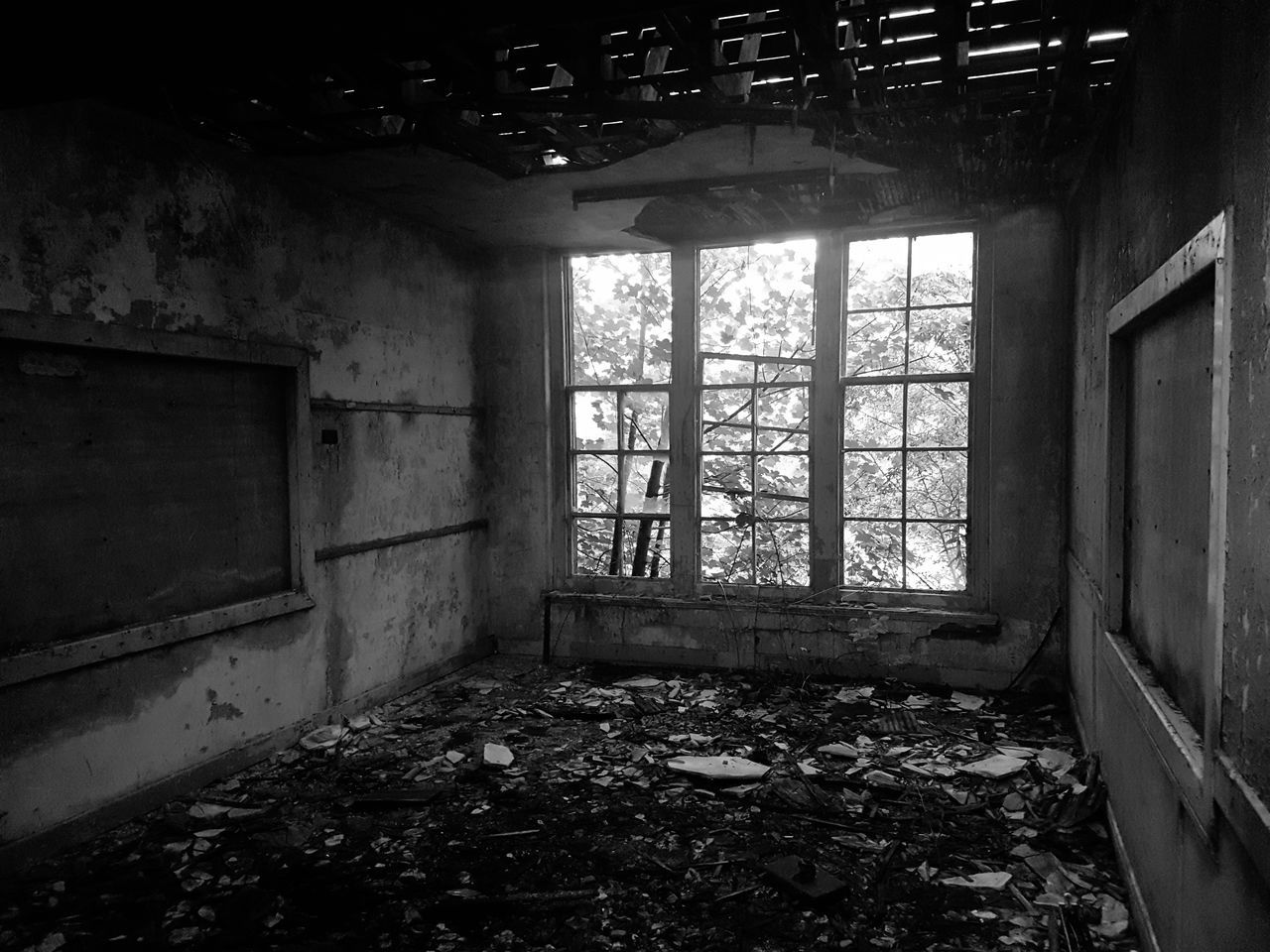 abandoned, damaged, window, indoors, architecture, built structure, destruction, day, no people, home interior, bad condition, rubble