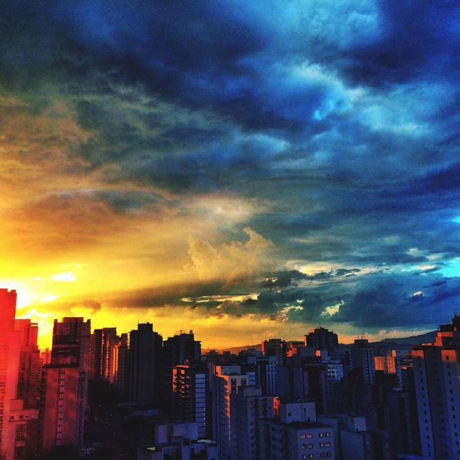 Today Sunset ☀️ SAO PAULO BRASIL 🌆 🇧🇷 Sunset #sun #clouds #skylovers #sky #nature #beautifulinnature #naturalbeauty #photography #landscape Sunrise_sunsets_aroundworld Landscape_photography Usa #igersusa #ig_unitedstates #rockin_shotz #just_unitedstates #insta_crew #gf_usa #nature #rsa_rural #instagramhub #allshots_#world_shooters #insta_america #ig_captures #centralfeed #webstagram #ic_landscapes #wonderful_america #storyofamerica #instagra All_shots #Portrait #Vscocamphotos #Likesforlikes #Photographs #Photographylovers #TopLikeTags #Outdoorphotography #Likesreturned #Silhouette #Likeforlike #Art #Contrast #Landscaped #TagStaGram #love #friends #tagstagram #photooftheday #selfie #amazing #f Sunset The Adventure Handbook Photography Hdr_Collection HDR