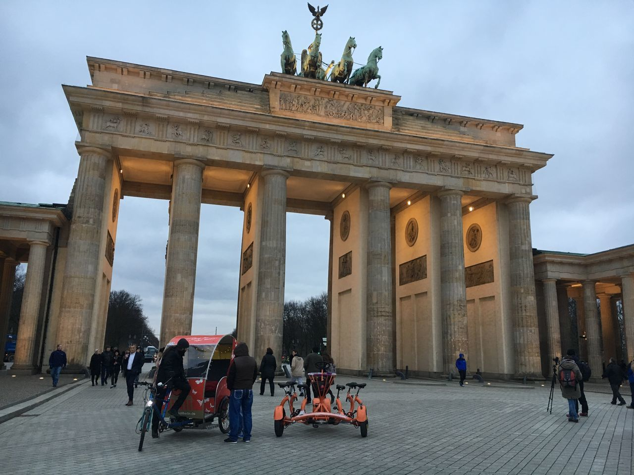 Berlin Berlin Brandenburgertor Berlinstyl Bikes Alone In The City  Alone Germany ITB Architecture Historical Building Navamaagal