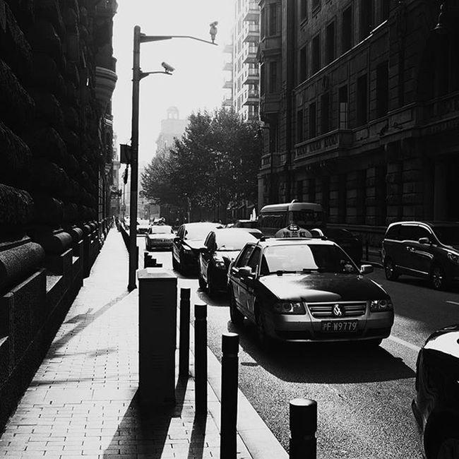 A street beside the bund. Shanghai Shanghaibund