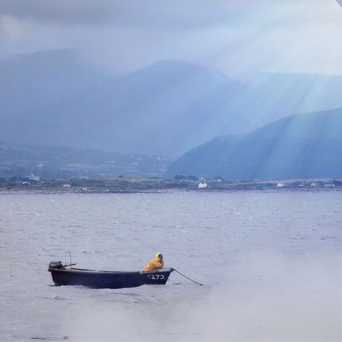 Fisherman's patience _ Ring Of Kerry Sea And Sky Fisherman Seaside Pesca Fishing Boats Jobs Enjoying Life Somosfelices