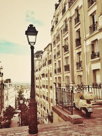 Personal Perspective Architecture Cloud - Sky Streetphotography EyeEm Paris France EyeEm Best Shots EyeEmBestPics Eye4photography  Tourism Lampadaire Lampadairophile LightCity Architecture Travel Destinations Old-fashioned Cityscape No People Day Sky Street City History