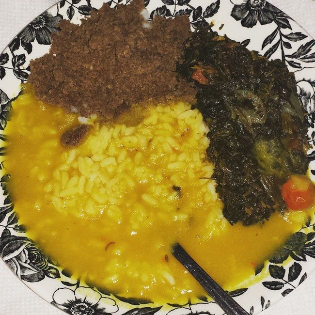 My belly is happier than a 🐷 in mud tonight!!! Dinnertime Eatinglikeaqueen Dhall Rice bhagee coconutchoka wiriwiripepper nomeat vegetablesonly homecooking Guyanesestyle myfavoritemeal icandiehappynow myGrandmathrowsdown thebestofthemall betterthanyours sorrynotsorry eatandenjoy livewell laughoften lovemuch LASH