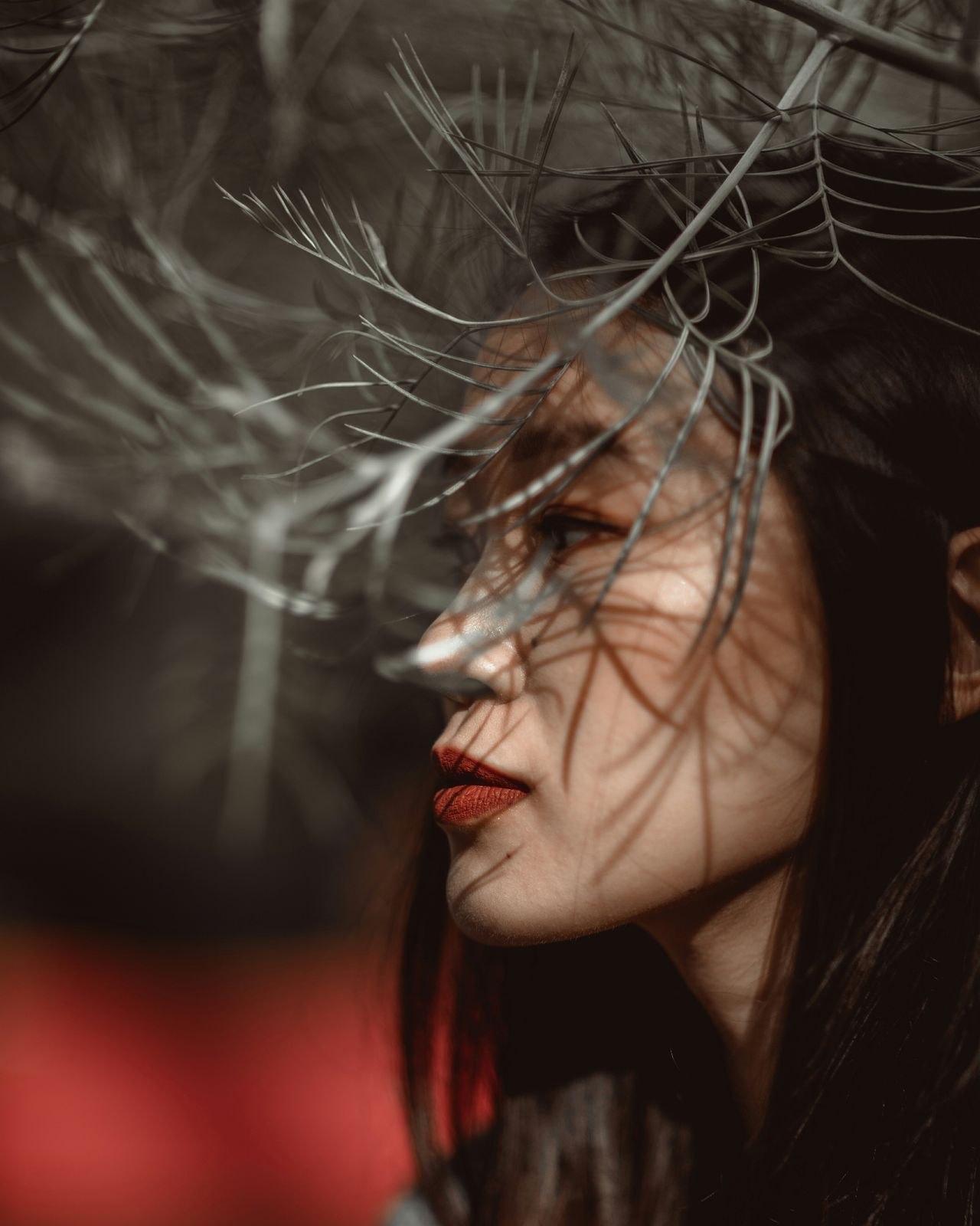 Shadowplay Close-up Portrait Portrait Photography Portrait Of A Woman Portrait Of A Girl Beautiful Woman One Woman Only Women Of EyeEm Women Who Inspire You Autumn Colors Shadow Light And Shadow Light Collection Light Shadow On Face