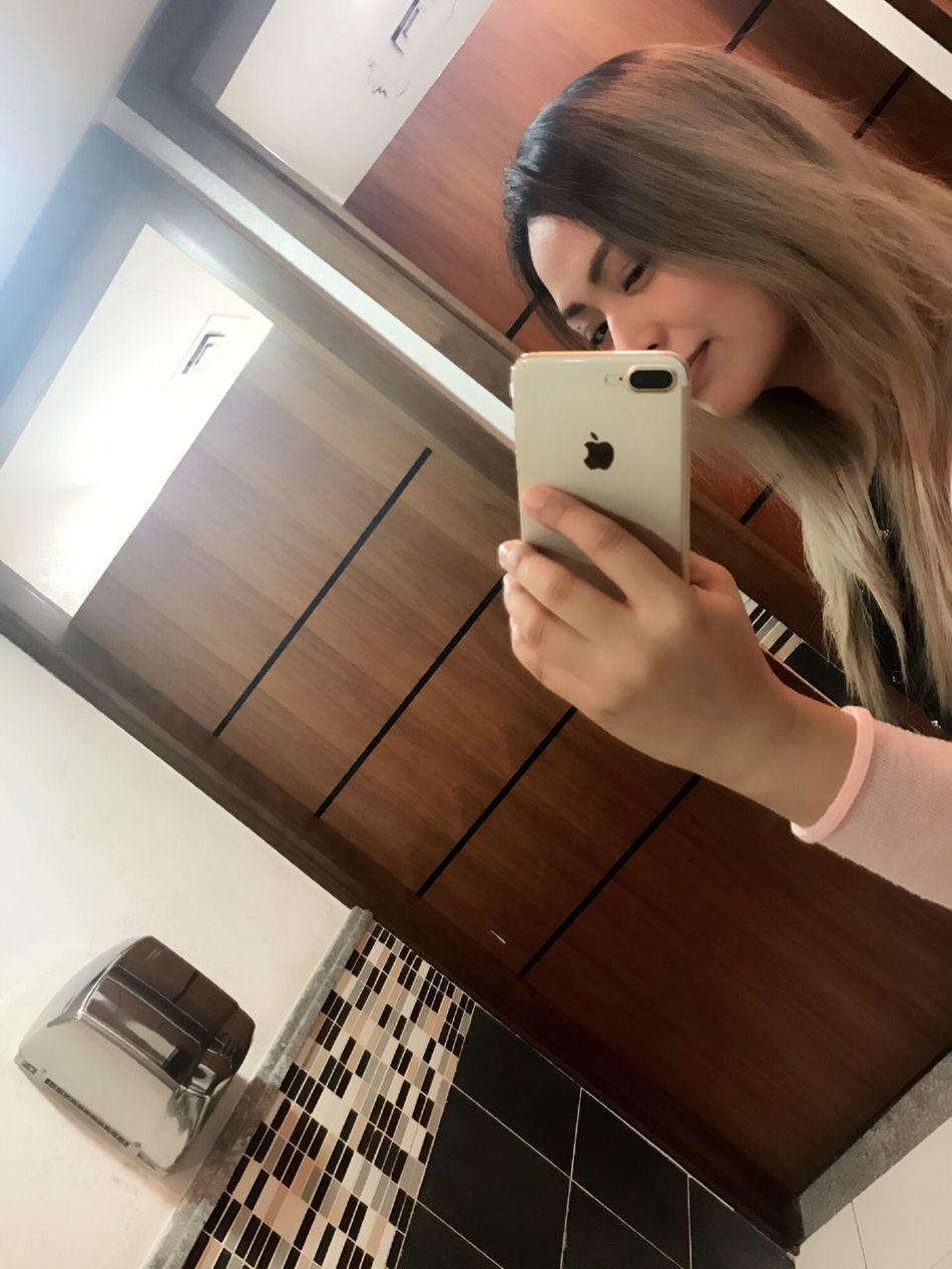 Selfie ✌ Bathroom Selfie Filipina Pinay Haircolor Blonde Hair Woman Lady Girl Selfish UAE Abudhabi