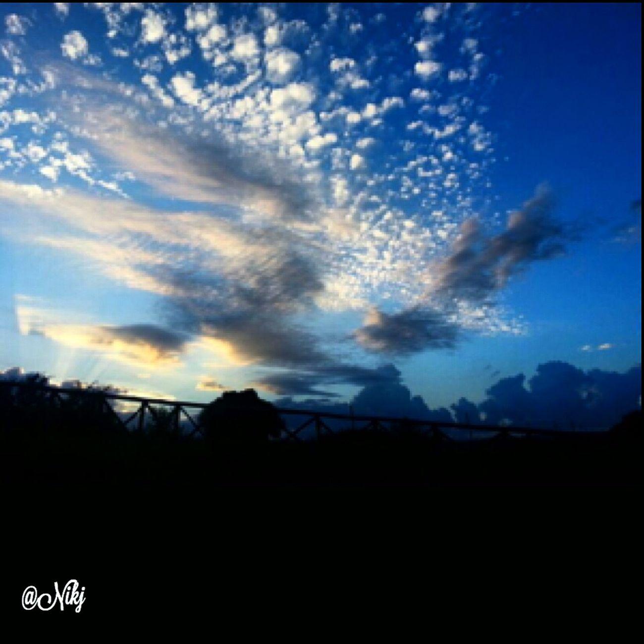 Questo è un altro aspetto rasserenante della natura: la sua immensa bellezza è lì per tutti. Nessuno può pensare di portarsi a casa un'alba o un tramonto. (Tiziano Terzani) Sunset #sun #clouds #skylovers #sky #nature #beautifulinnature #naturalbeauty Photography Landscape ? Sunset #sun #clouds #skylovers #sky #nature #beautifulinnature #naturalbeauty #photography #landscape Sunrise_sunsets_aroundworld Fotografia_italiana 🌹 Tramonti__italiani 😊 Goldenhour 🌸 Sunset And Clouds  ❤️ Tramonti_italiani
