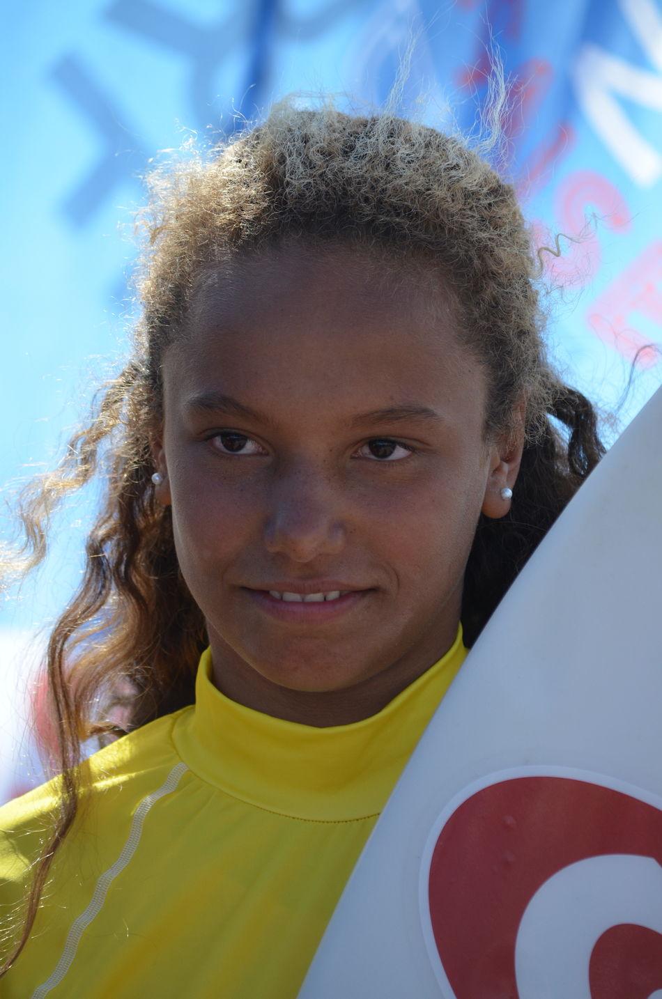 Hina Conradi (Surfing St Gilles Cx de Vie) a terminé quatrième de la finale catégorie Open dames à la première étape du circuit de la Coupe de France de surf, dimanche 10 avril 2016 aux Sables d'Olonne (Vendée). Conradi Coupe De France De Surf Hina Conradi Portrait Surf Surf Competition Surfing St Gilles Cx De Vie