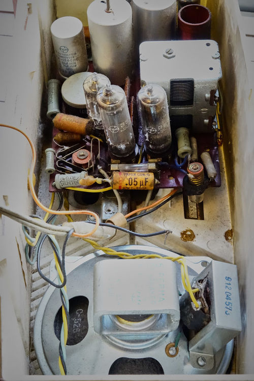 Antique Day Indoors  No People Old Radio Technology Vacuum Tube Vacuum Tube Radio Vacuum Tubes Close Up Technology