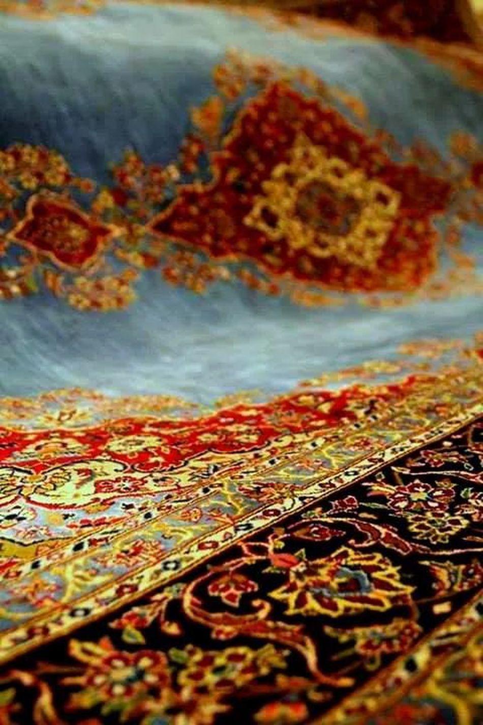 Carpet A Precious Bidjar Carpet In The Tehran Carpet Museum. It's Twin Is In Our Byblos Home. Iran Persian Carpet Bazaar - Kashan - IRAN