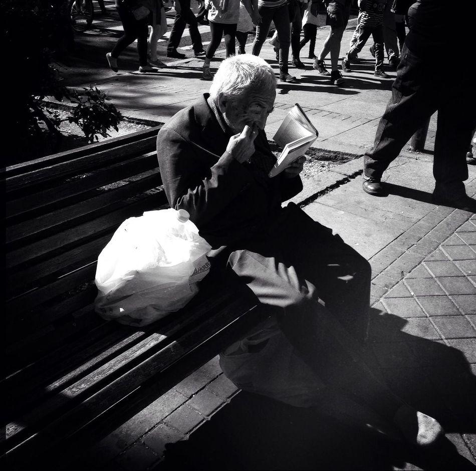 The Human Condition Streetphotography Streetphoto_bw Blackandwhite Streetphotography_bw Streetbw Streetphoto Monochrome