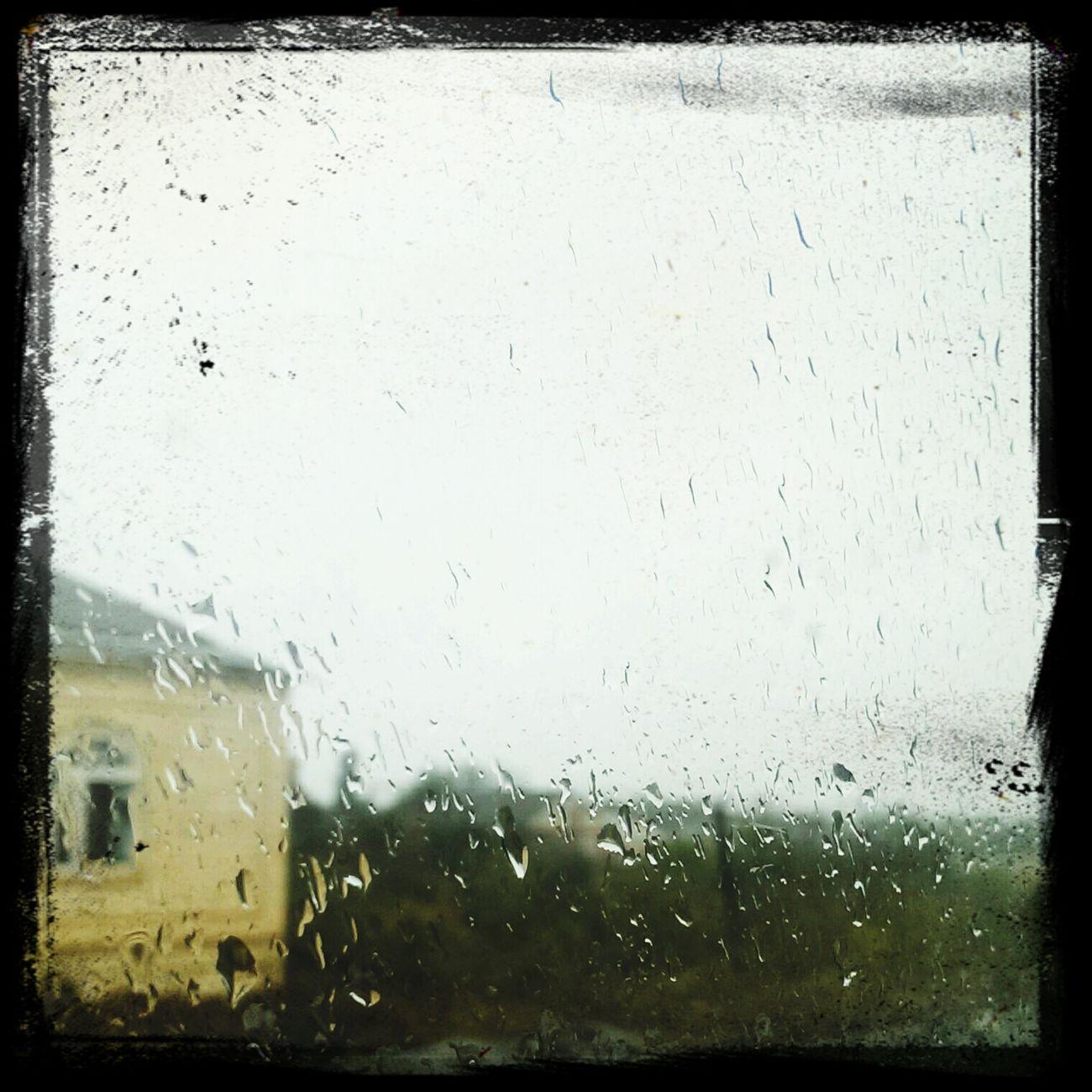 В городе дождь... ☔??