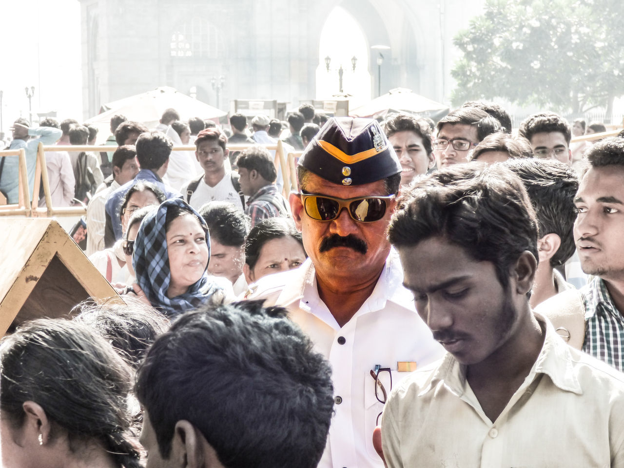 Dabangg Police Crowd Focus Front View Headshot India Gate Men Mumbai Meri Jaan Person Portrait Traffic Police