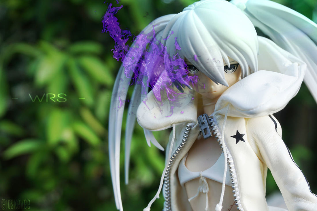 White Rock Shooter Black Rock Shooter White Rock Shooter Real Action Heroes Anime Toyphotography Creativity Portrait Blossom Botany Close-up Day Flower Focus On Foreground Fragility Green Color In Bloom Nature No People Outdoors Petal Plant Selective Focus Softness White White Color