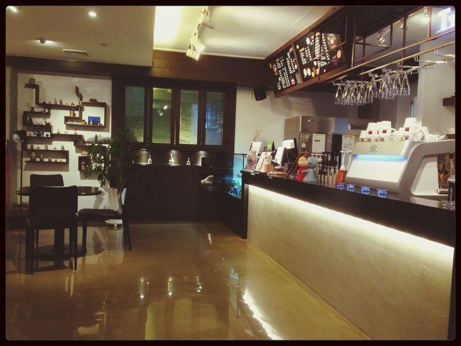 Sokcho My Cafe T-able Jangsahang Best Coffee&waffle  방콕가기전 마지막 속초..왠지 짠..