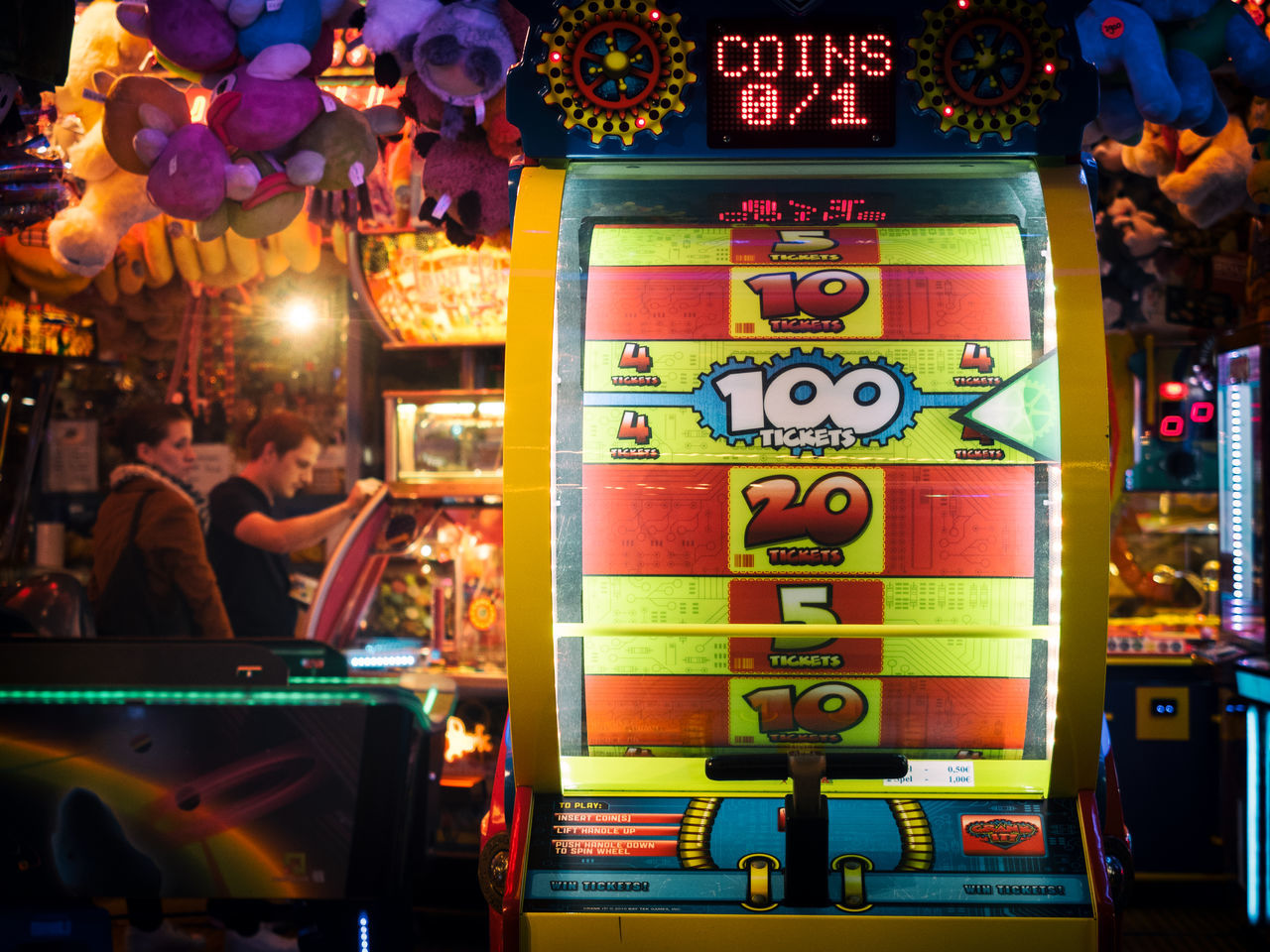 0/1 100 Coins Colors Colorsplash Couple Gambling Man Night Numbers Slot Machine Slot Machines Woman