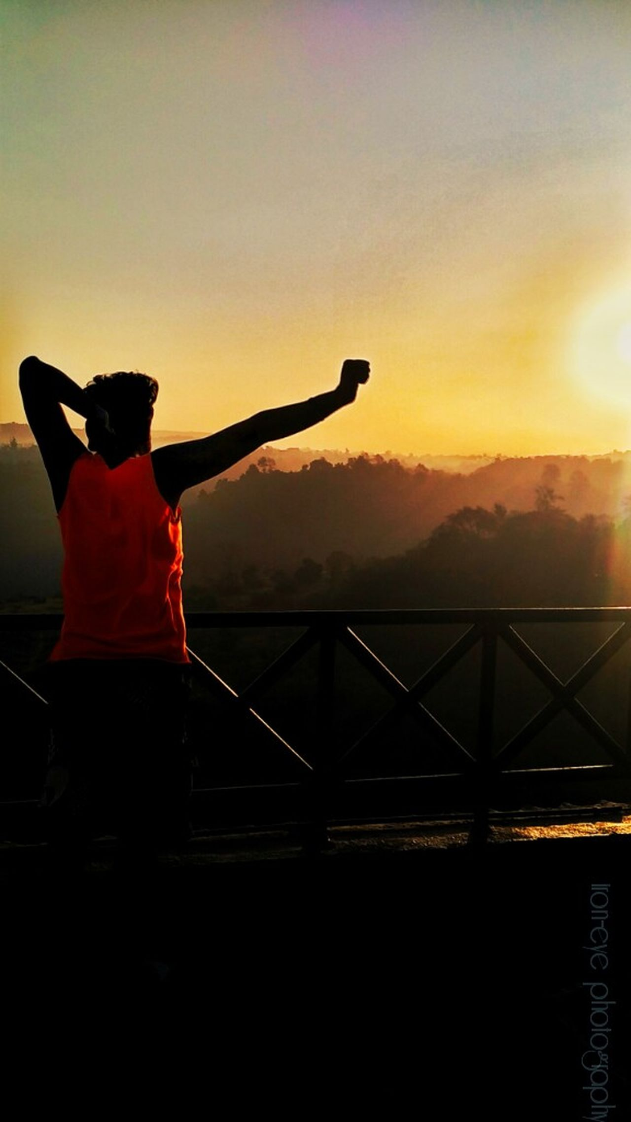 One of the best things about waking up early is uyou can see immaculate beauty of nature Check This Out Hanging Out Taking Photos That's Me Enjoying Life Awesome_shots The Traveler - 2015 EyeEm Awards Iron-eye Photography Capturing Emotion EyeEm Best Shots Silhouette Hello World Learn & Shoot: Simplicity