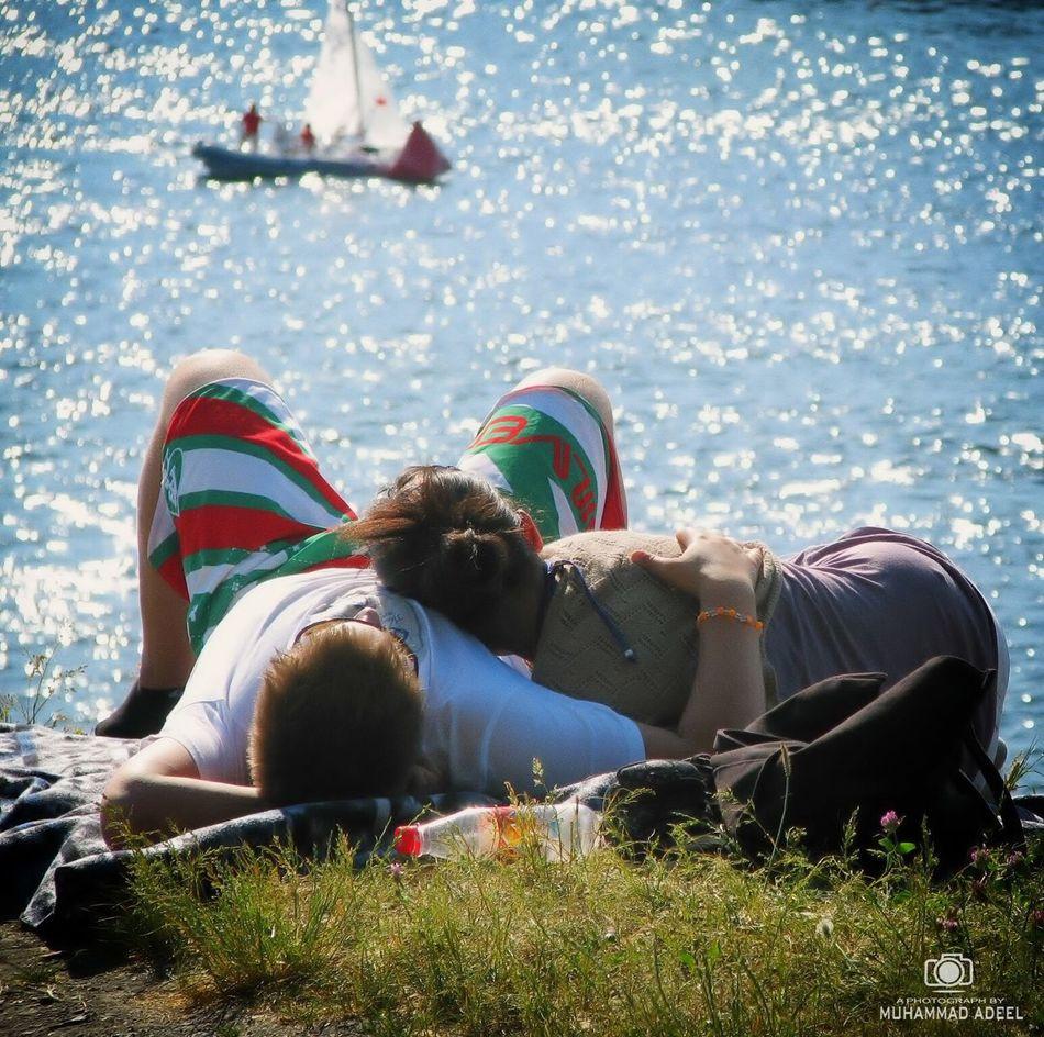 Love is in the air. Love Love ♥ Love Is In The Air Love Birds Ocean Sea And Sky Beach Summer Hug Romantic Romance Ishq Pyar Sexygirl Sun Bathing Sailing Oslo