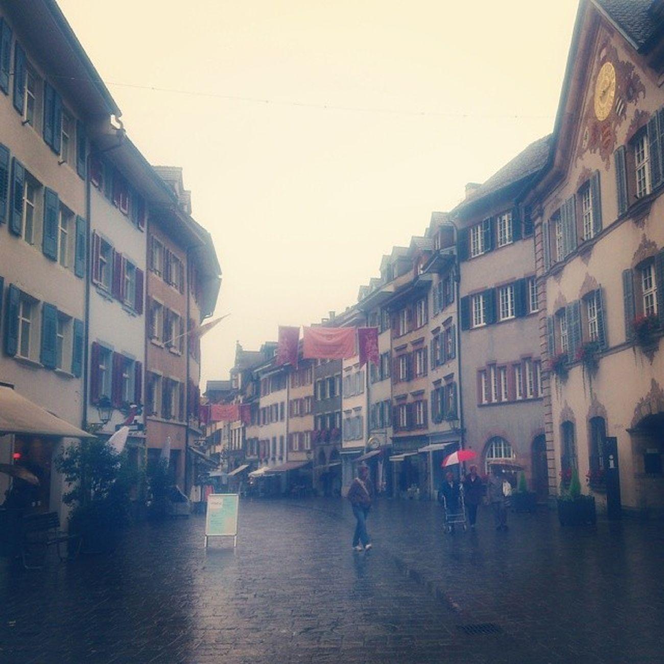 Zwischenstopp im historischen Städtchen Rheinfelden. Wunderschön, aber leider total verregnet.