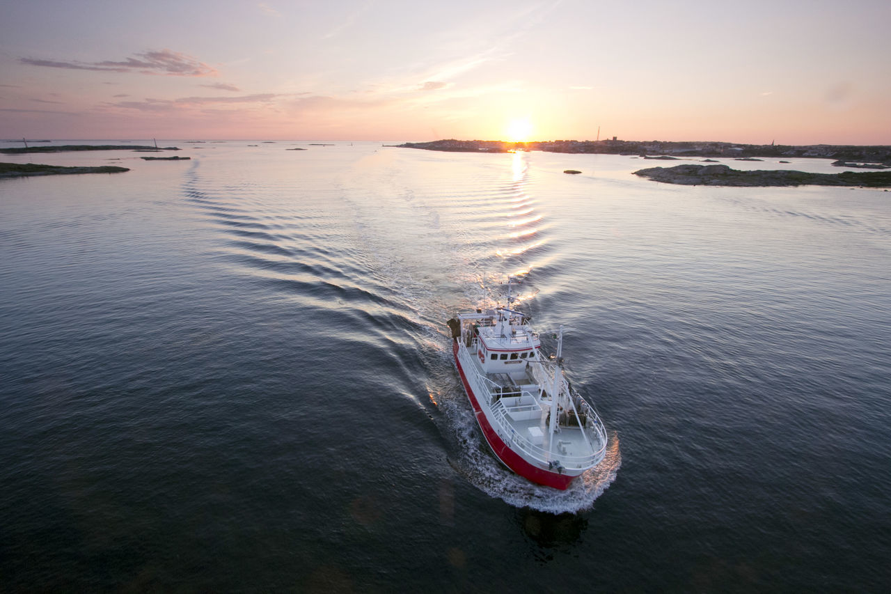 Beautiful stock photos of boote, water, sunset, sea, nautical vessel