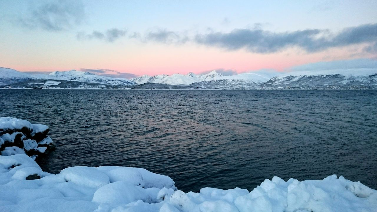 Crispy and Chillyweather  up North - Tromsø Arcticlights Snow Mountains Ocean Morning Peaceful Anyhoneyanyho Showcase: December Landscape With Whitewall