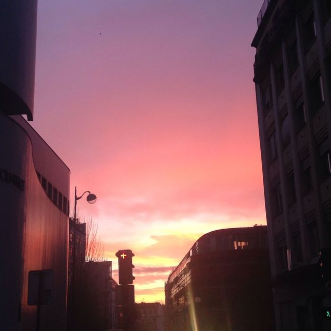 Yesterday, even the Sky was in fire... Republic France Skyporn Pinksky StandUpForYourBeliefs ❤️??❤️