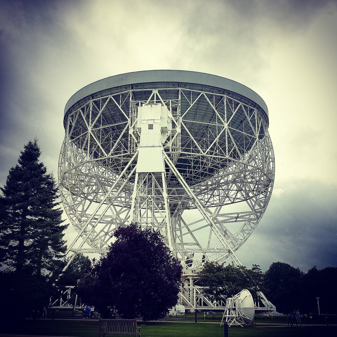 Jodrell Bank Observatory. Astronical radio telescope Astronomical Observations Astronomical Observatory Astronomical Telescope Astronomy International Landmark Jodrell Bank Jodrell Bank Observatory Low Angle View Observatory Radio Radio Telescope Radiography Test Satellite Dish Technology Telescope