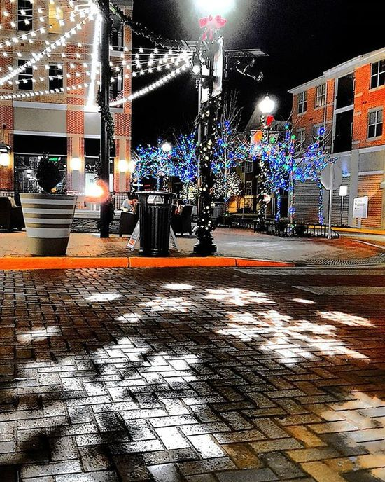Christmas Christmaslights Snowflakes Streetphotography Streetlight Street Naturephotography Treelovers Tree Trees Landscape Landscapephotography Photographylovers Photography Samsungphotography Samsungphoto Samsung Brightcolors Aneyeforaphoto Mypointofview Seewhatisee Throughmyeyes Igmasters Igbest Hiddentalent picoftheday pictureoftheday camera360 takingpictures