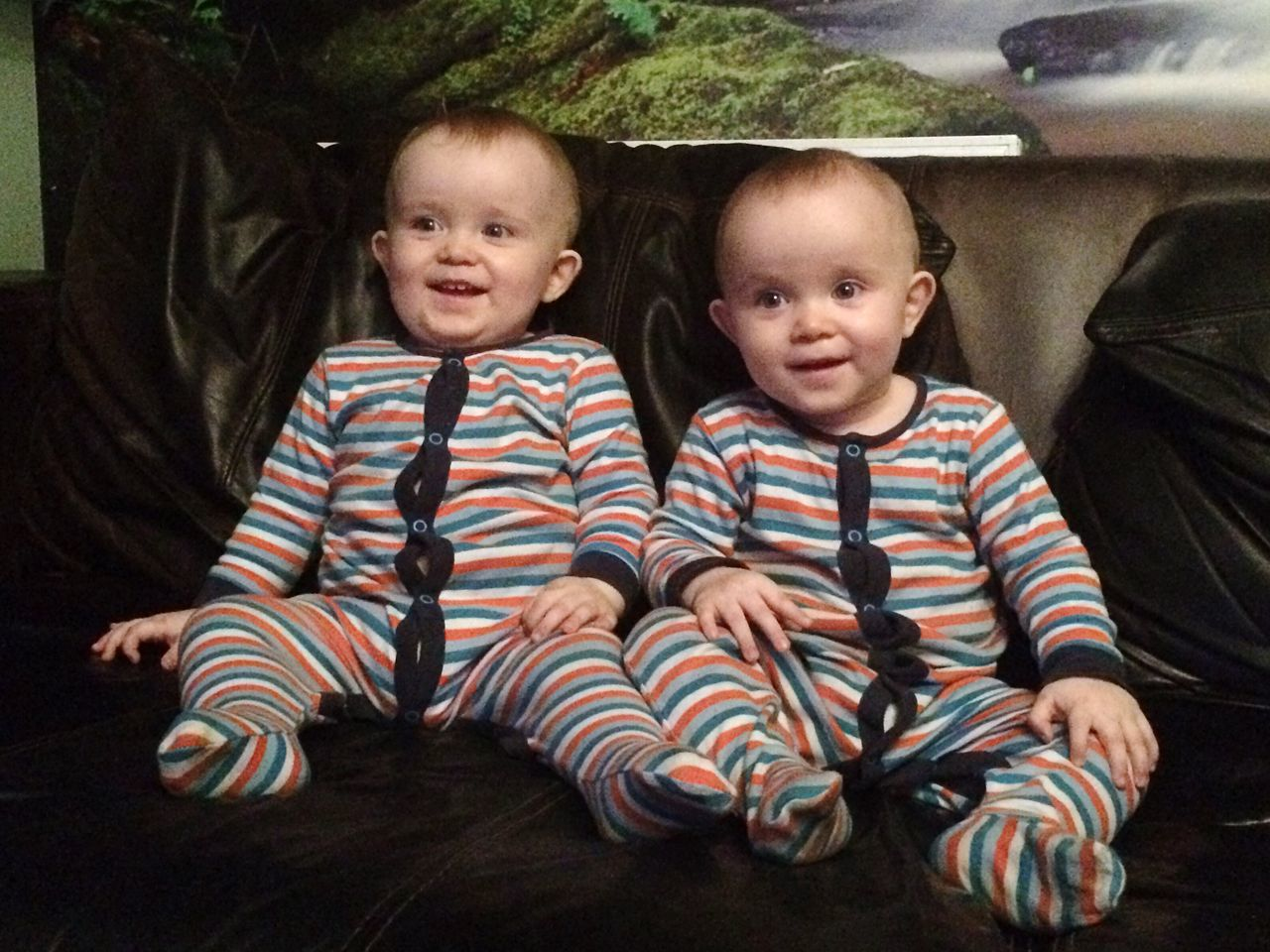 TWINS ♥ Babyboy Togetherness Bonding Childhood Innocence Family Heaven No Edit, No Filter, Just Photography IDENTICAL TWINS Identical  Twin twins Twinsies! Twins (:  Twins! Twin Boys Boys Two Of A Kind Two Is Better Than One Two Boys Fresh On Eyeem  Enjoy The New Normal