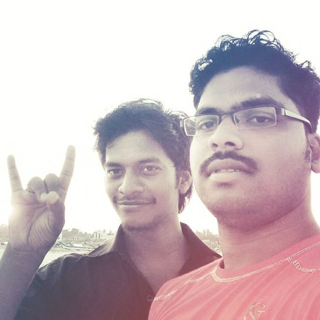 Kadham✋ kadham✋ 😋😝😎 Beach Silverbeach Cuddalore Cuddalorebeach Friends Red Black Spec Fingerstyle Baba Tamil Cruzer AnR Cool
