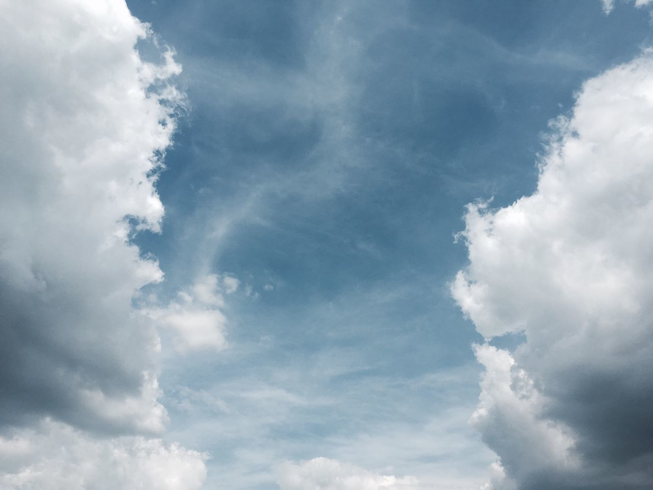 Cloud - Sky Sky Nature Beauty In Nature Low Angle View Backgrounds Sky Only Day No People Full Frame Scenics Outdoors Tranquility