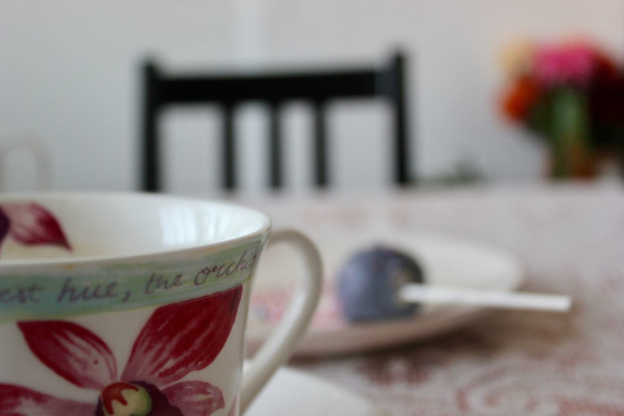 Blurred Background Close-up Coffee - Drink Coffee Cup Floral Focus On Foreground Food And Drink Refreshment Table