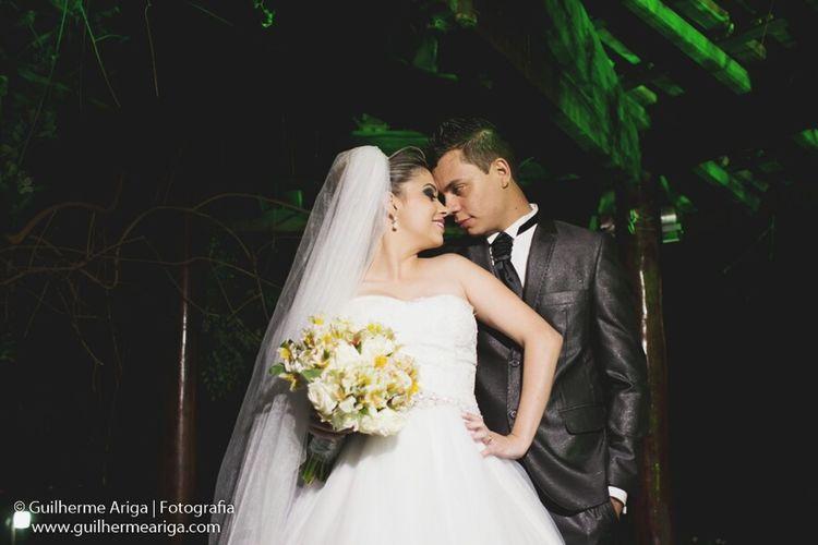 Mais uma do casal renata e luis Decoracaoserafim Chacaralindavista VestidoreginaCeliaRigor Buffetadao Luciflores Guilhermearigafotografia