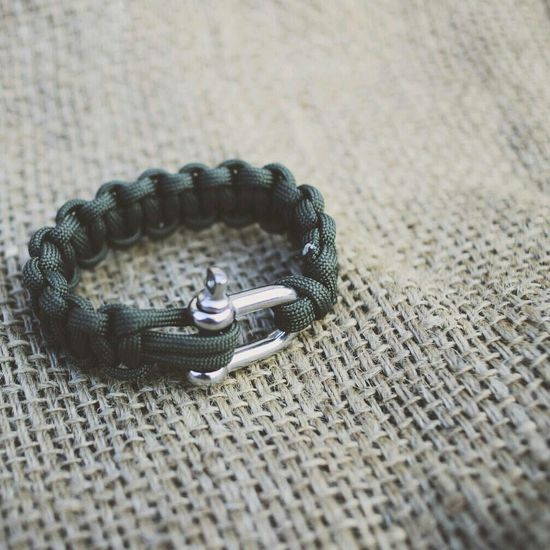 Army Green Schackel Paracord Bracelet Cool