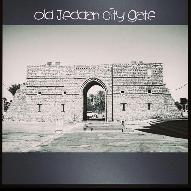 Old Jeddah City entrance in Al-Balad Old Albalad Revisitingthehistory Vintagestyle picturesque canon canon1100d photographer jeddah ksa