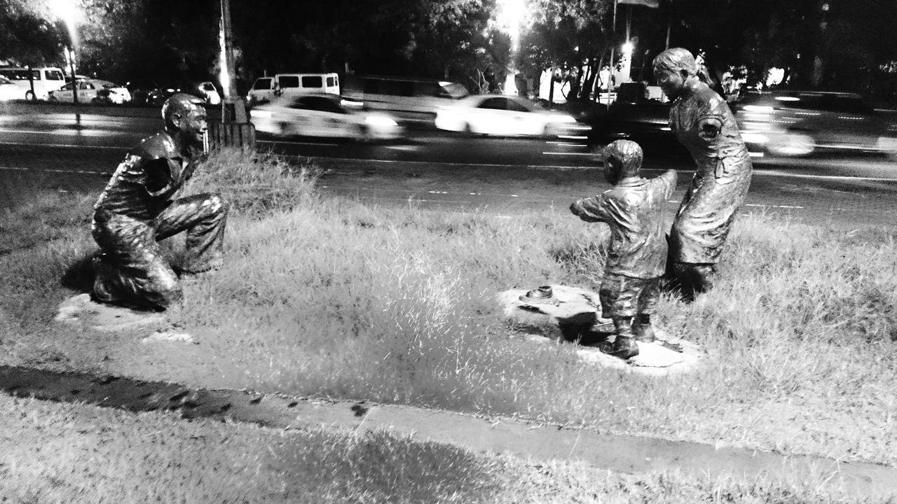 Silang walang mga kamay... Black And White Collection  Weekends Taking Photos Biking In The Street