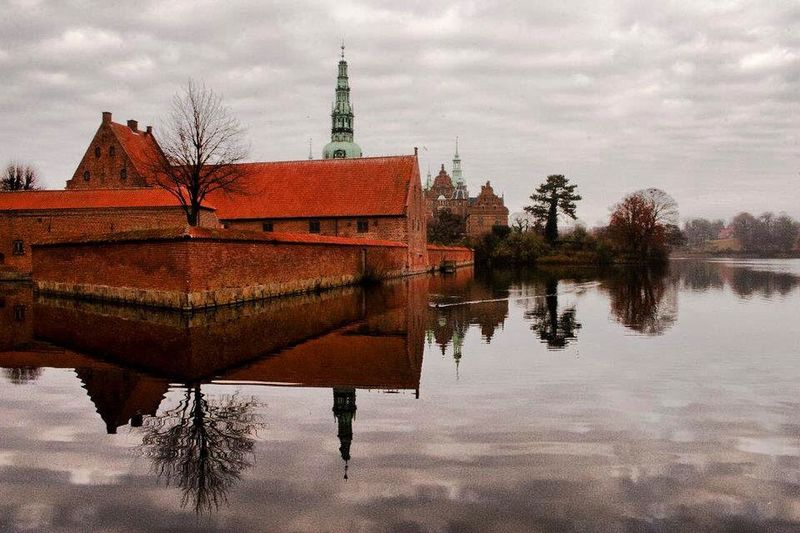 Showcase: February Cph Copenhagen Denmark Europe Water Enjoying Life Taking Photos Amazing Reflection Reflection_collection Castle HillerodCastle Hillerød